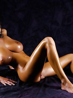 1 oiled up pics